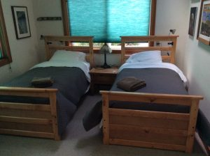 Gallery Room twin beds